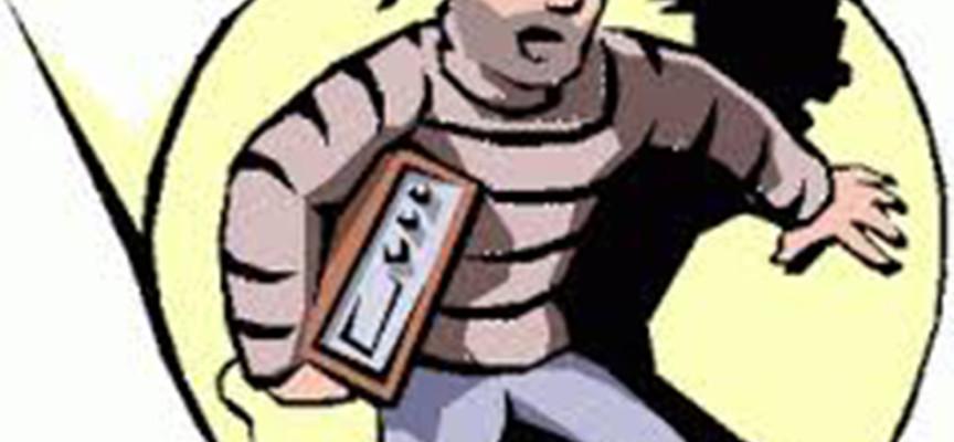 Taccheggio e furto. Arrestato presunto ladro e borseggiatore di vent'anni