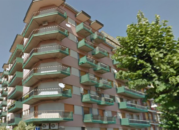 Tragedia a Cosenza. Ragazzo si suicida a Via della Repubblica