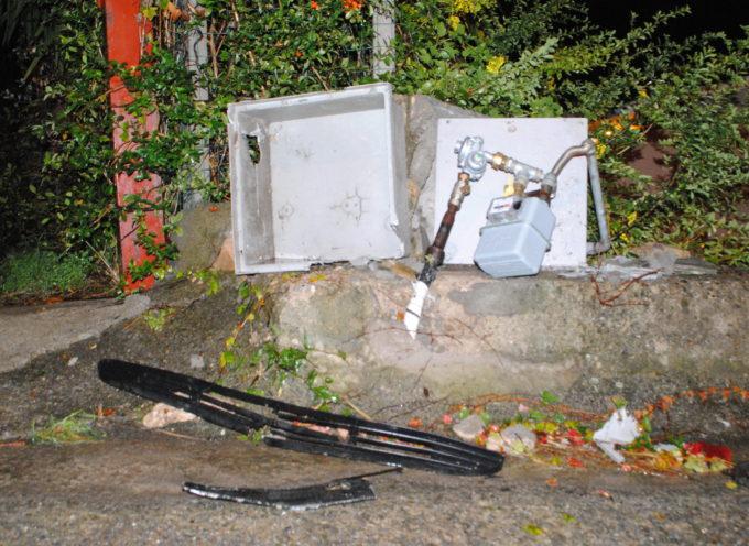 Falconara Albanese – Sbanda e abbatte una cassetta del gas