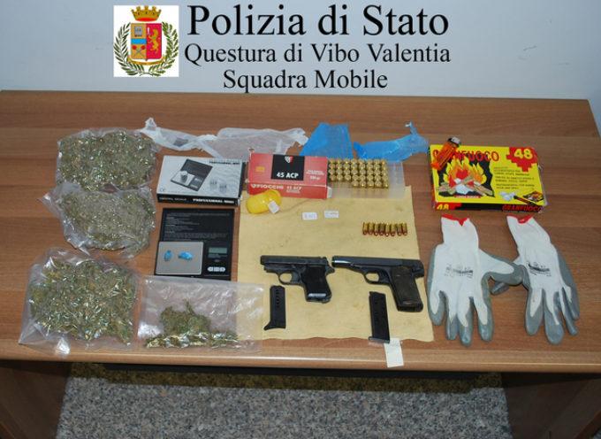 Aveva nascosto due pistole e marijuana, arrestato