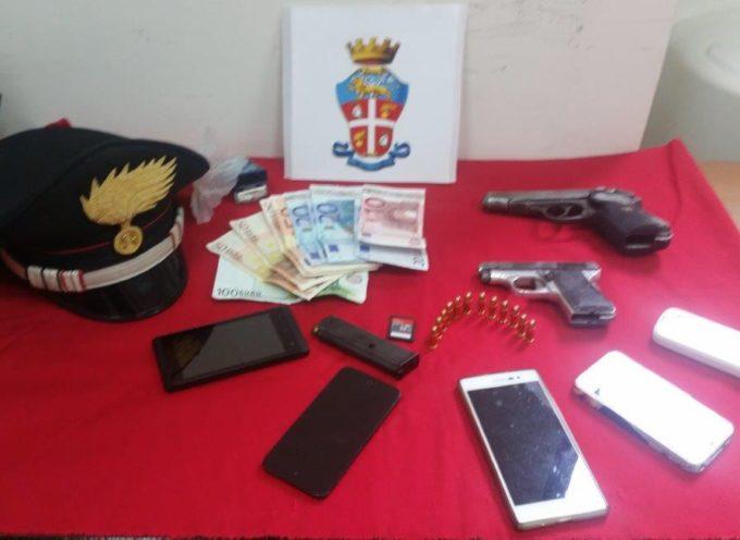 Deteneva armi in casa: un arresto ed una denuncia