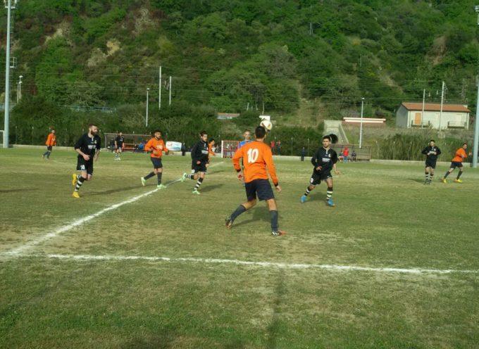 I Falchi Rossi volano ai play off grazie al 2-1