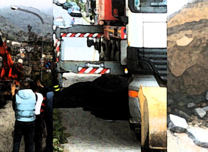 Paola – Strade colabrodo, camion rimosso, fogna gorgheggia [FOTOGALLERY]