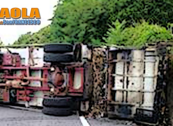 Paola – Terribile schianto sulla strada per Cosenza (FOTO)