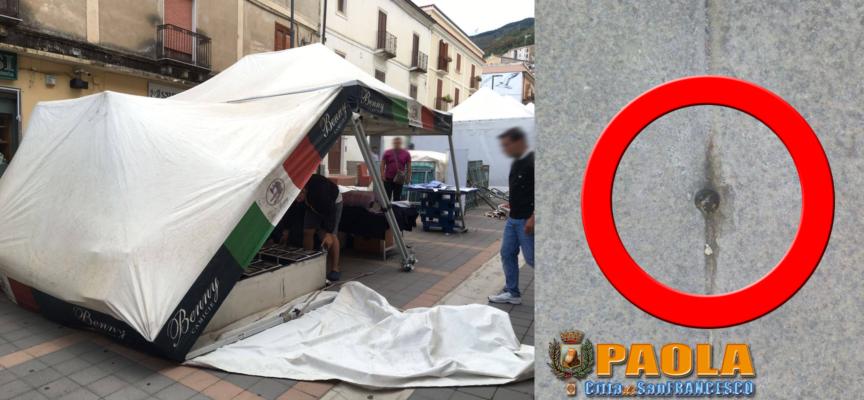 """Paola – Forse c'è un """"perché"""" ai fori fatti sull'isola pedonale di Corso Roma"""