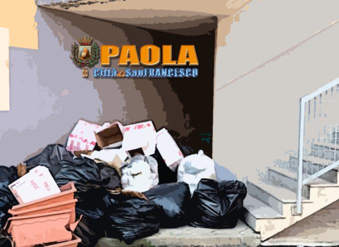 Paola – L'Istituto Alberghiero (Ipseoa San Francesco) è pieno di spazzatura