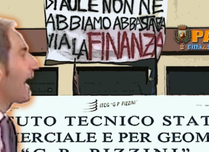 Paola – Gli studenti non vogliono la caserma. Di Natale contestato – VIDEO