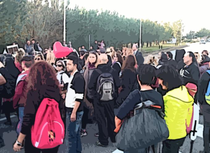 """Occuparono la SS18 per protesta, deferiti 21 manifestanti """"per Angelo"""""""