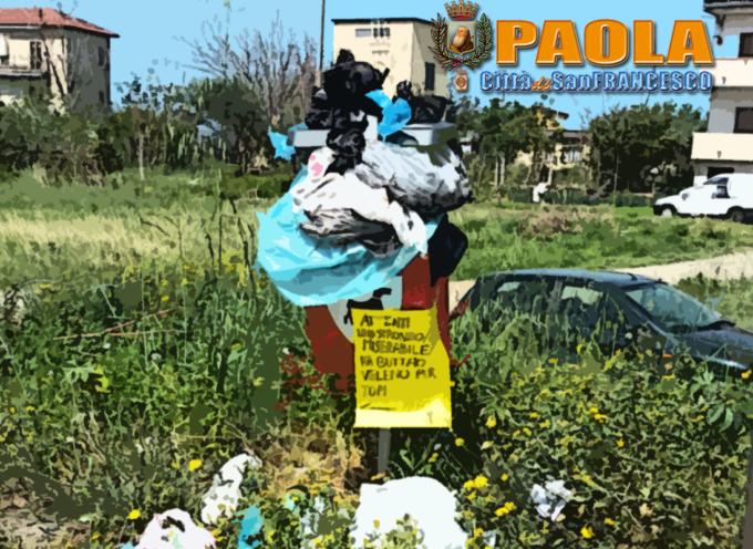 Paola – I costosissimi cestini per deiezioni languono nel degrado