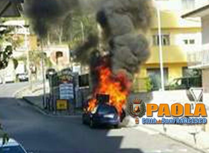 Paola – Automobile prende fuoco a due passi da Via del Cannone – FOTO