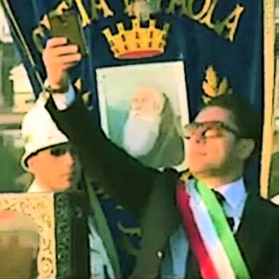 """Paola – La Coalizione perrottiana critica l'attitudine """"selfiesta"""" di Ferrari"""
