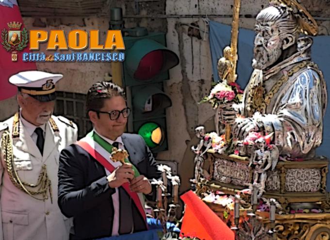 """Paola – Il Sindaco Ferrari """"chiede scusa"""" dinnanzi al Santo e alla Piazza"""