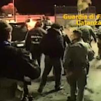Carabinieri e GdF, con cani e elicotteri, per operazione antidroga, usura e antiracket