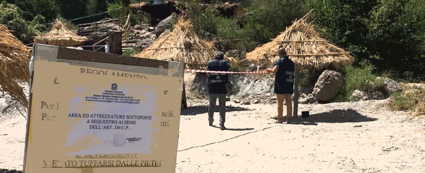 Lido abusivo costruito nell'alveo di un torrente: GdF denuncia e sequestra