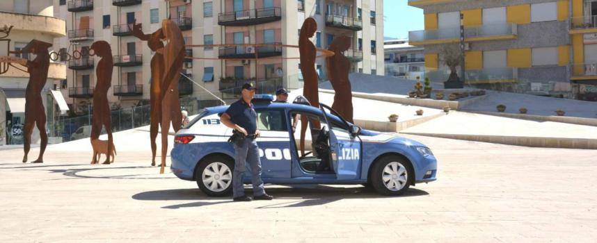 Giovane blocca scippatore poi arrestato. Weekend di fermi pure per droga
