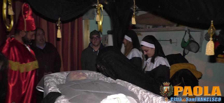 Paola – VIDEO della veglia funebre del Re, oggi alle 15 torna il Carnevale