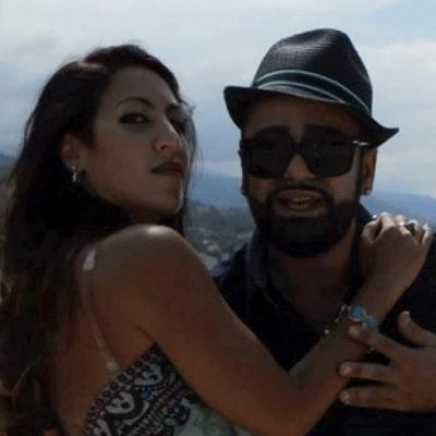 Paola  Video  «Penso a te e allontano lo stress» Neroone in love con Ester