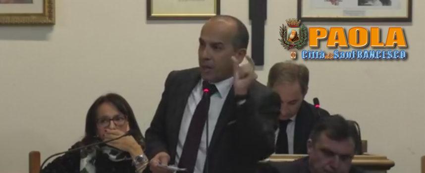 """Paola – Video – Gli assenti, i contrari e il Mondo Nuovo (stop """"scustumati""""!)"""