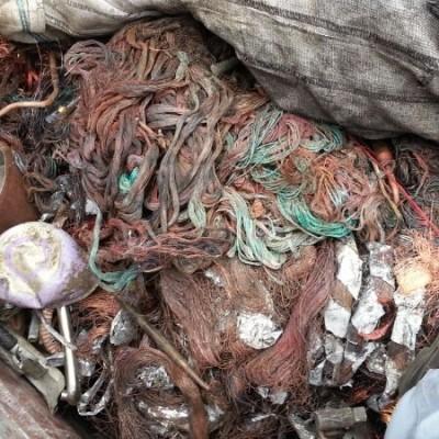 Ricettazione di rifiuti ferrosi. Sequestrato un autocarro