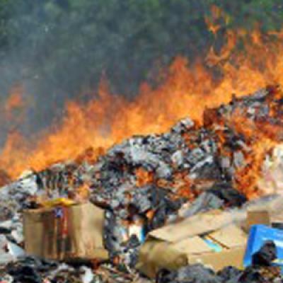 [FLASH] Paola – Spazzatura in fiamme, si sospetta il dolo