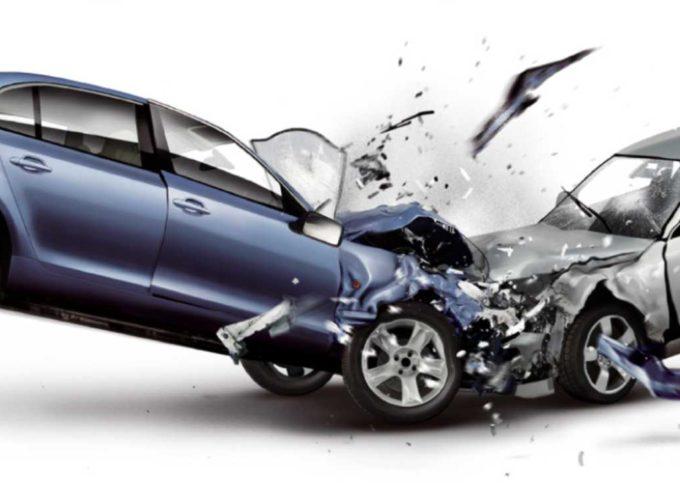Falsi incidenti stradali: lascia morire il figlio per il risarcimento
