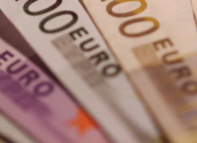 Rapina in banca con bottino di 100mila euro