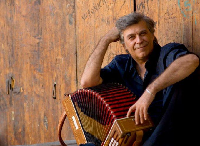 """Riccardo Tesi: """"Nuova Musica per Organetto Diatonico"""" alla Antonio Grosso School"""