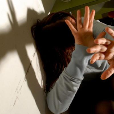 Uomini che perseguitano le donne: nuovo caso di stalking nel cosentino
