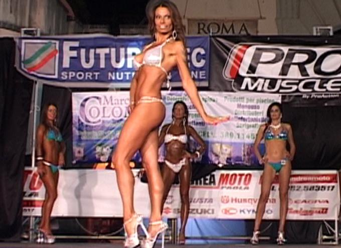 """Paola Bodybuilding  – 4° Edizione """"Grand Prix di Calabria"""" [VIDEOCLIP e INTERVISTE]"""