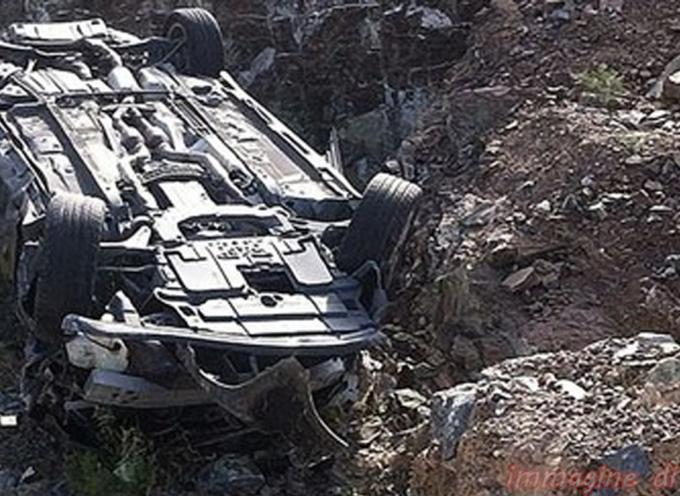 Spaventoso incidente a San Lucido. Madre muore, feriti i figli