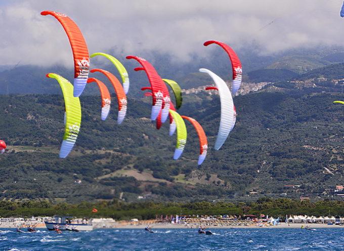"""Mondiali di Kitesurf 2015 : terminata  oggi la """"due giorni"""" di qualificazioni"""
