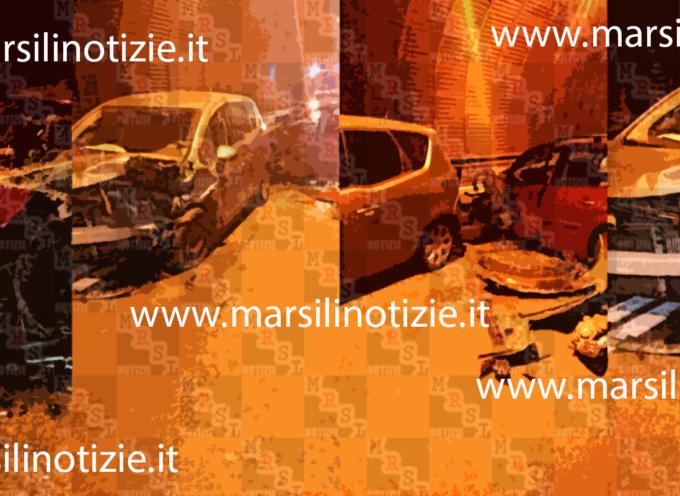"""Brutto incidente sulla ss 107 in una galleria della """"Crocetta"""" [FOTO]"""