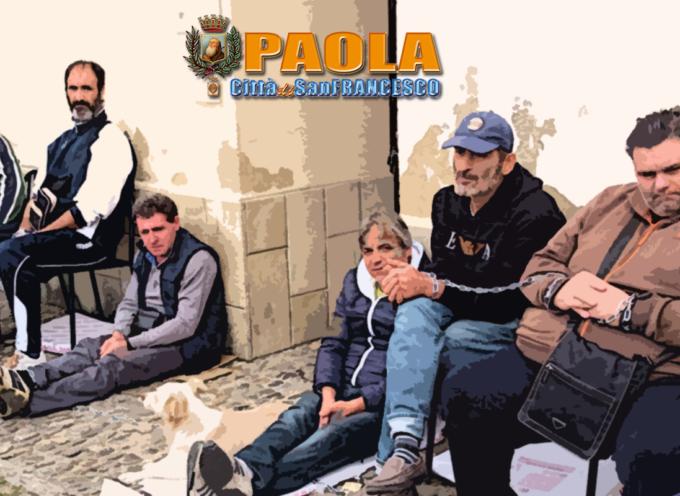 Paola – Incatenati davanti al comune perché senza lavoro [VIDEOCLIP E INTERVISTE]