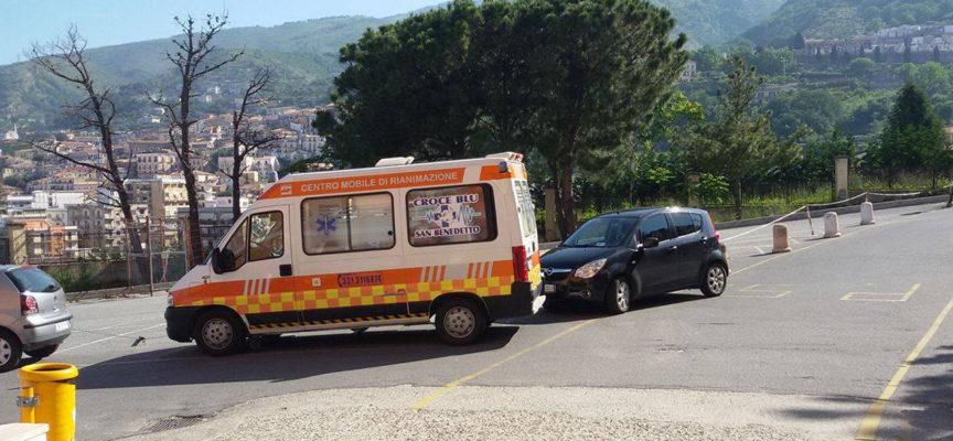 Paola – Corsia del Pronto Soccorso intasata da parcheggi incivili
