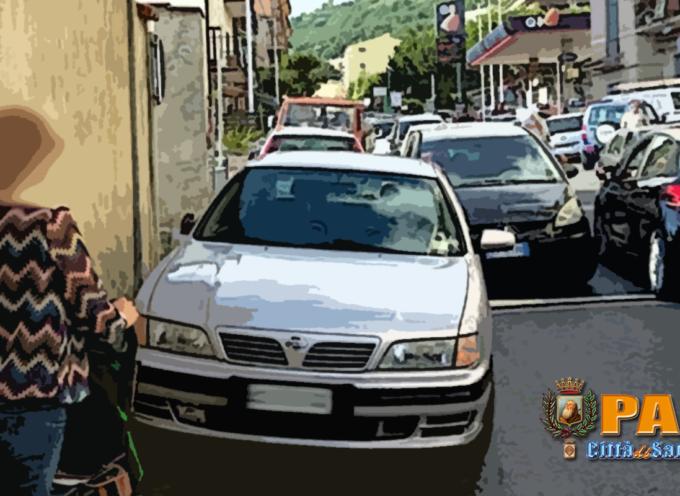 """Paola: """"Maledetta"""" strada! Madri e disabili non possono circolare"""