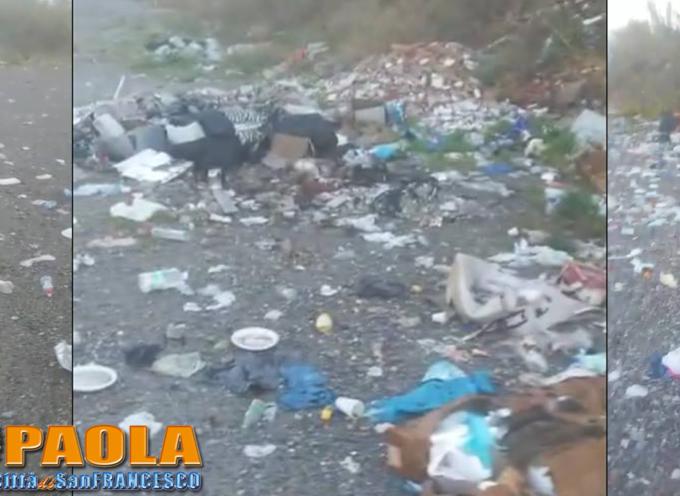 Paola – La città è ancora vittima dei tangheri che disperdono immondizia