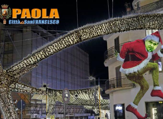 Paola – Il timer spegne le luminarie (come consueto), ma la Piazza era piena