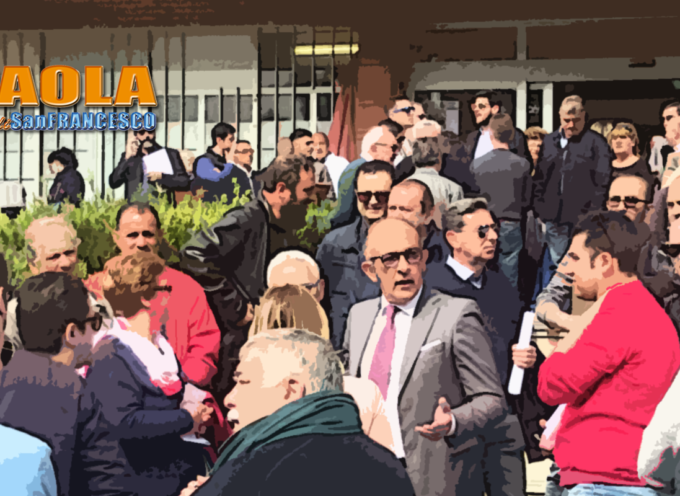 Paola: Sit-In a difesa dell'Ospedale, insieme a Falbo pure Ferrari e Perrotta