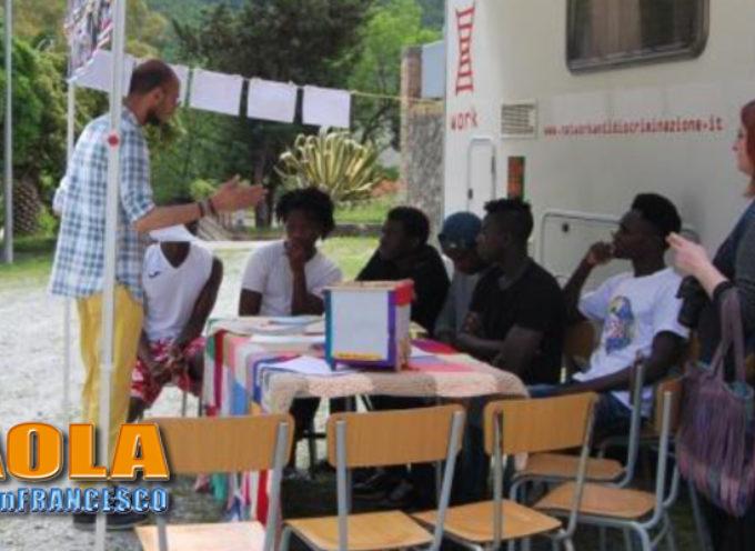 """Paola – """"Lingua Migrante"""", la Calabria che accoglie ha una base all'IPSEOA"""