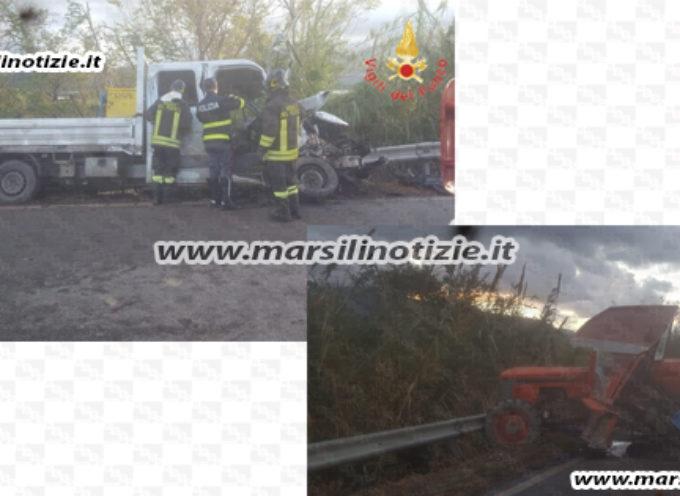 SS18: Fatale schianto tra Campora e Nocera T., muore conducente trattore