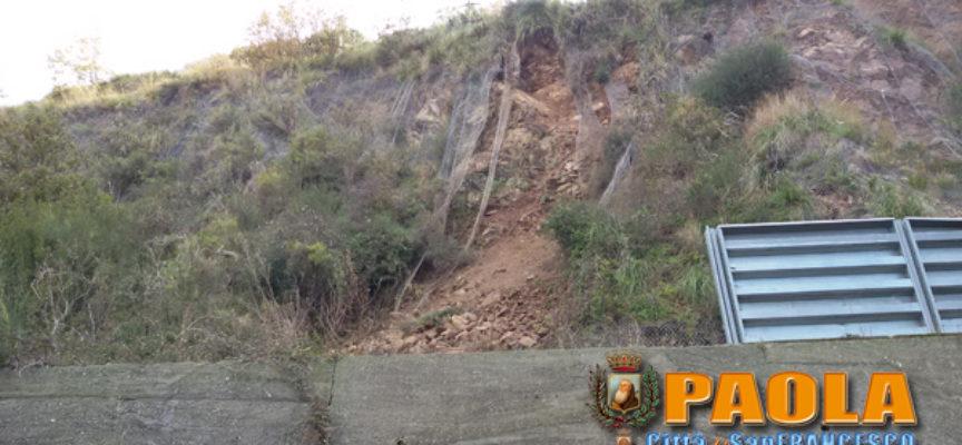 Paola – FOTO – Frana SS107, strada ancora chiusa: s'attendono i geologi