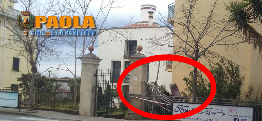 Paola – Paura a S.Agata: copertura in lamiera scagliata in strada dal vento