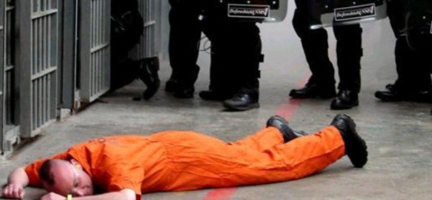 A terra con la testa insanguinata: detenuto paolano finisce all'Annunziata