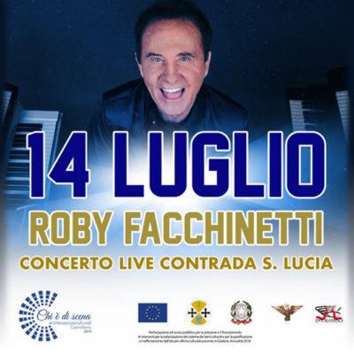 Video – Roby Facchinetti incanta Castrolibero in un concerto molto friendly