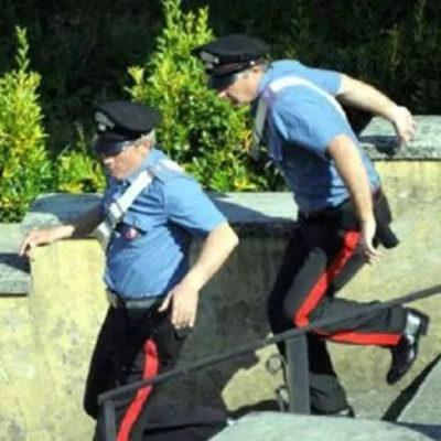 Paola – Vede i Carabinieri e si da alla fuga: presi cliente e presunto pusher