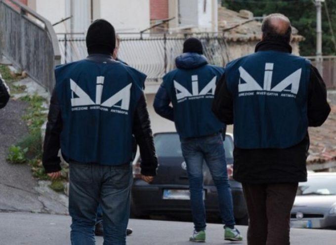 Cosenza – Decapitati i sodalizi criminali della città. 18 arresti della DDA