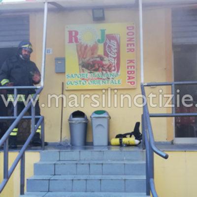 """Paola – FOTO – Incendio al """"Roj Doner"""" di Corso Roma, Pompieri in azione"""